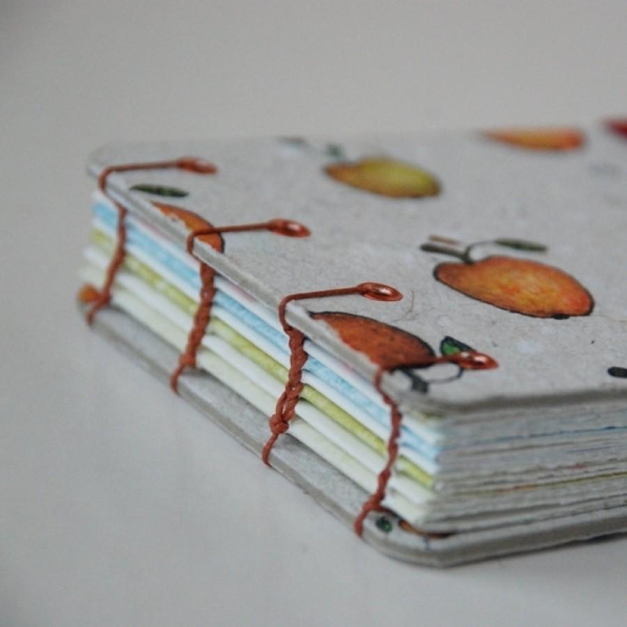 Knygelė. Nedidelė, įrišta rankomis. (008)