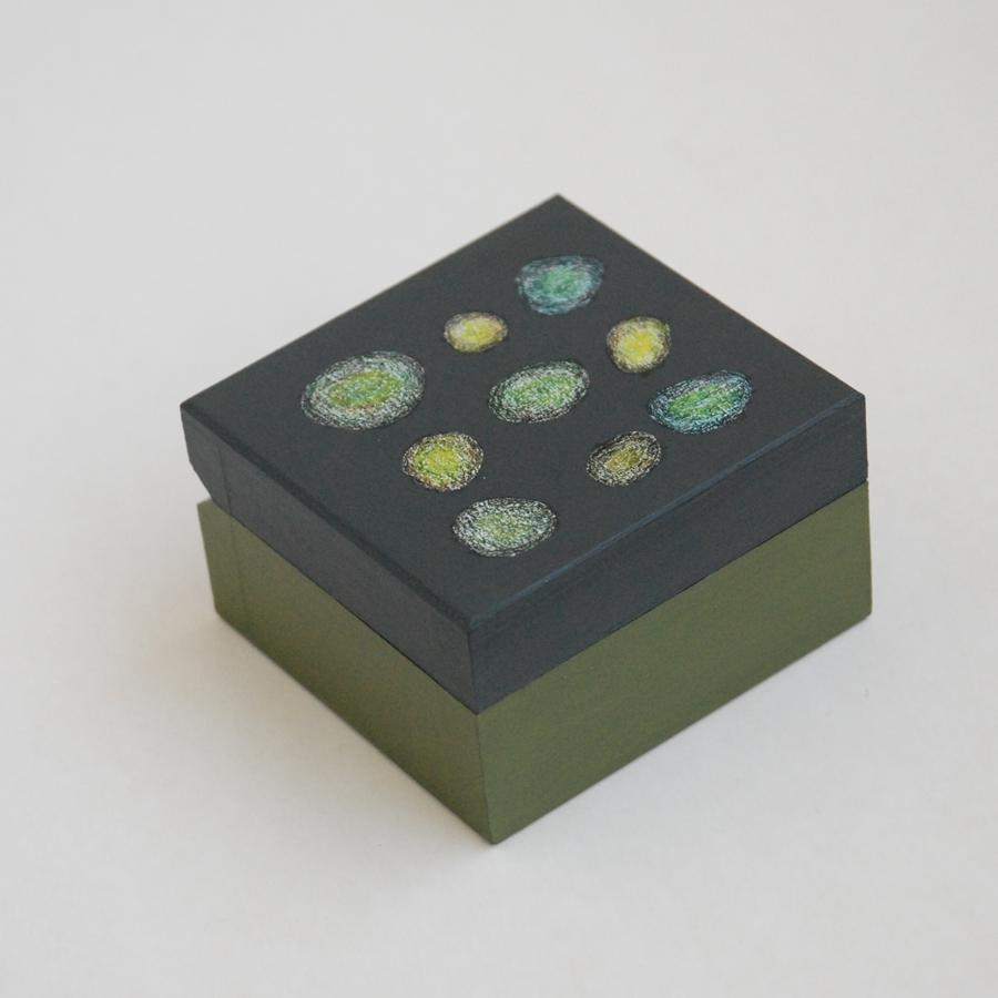 """Labai maža medinė dėžutė """"Alyvuogių žalia"""" (box-16)"""