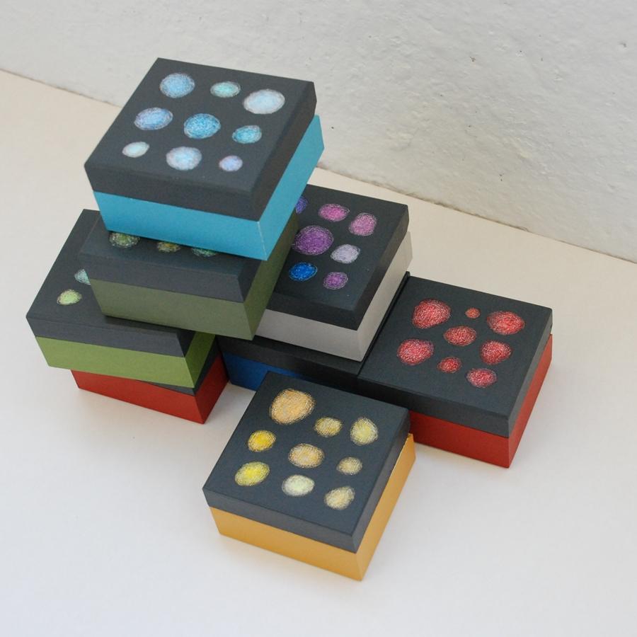 """Labai maža medinė dėžutė """"Raudona"""" (box-23)"""